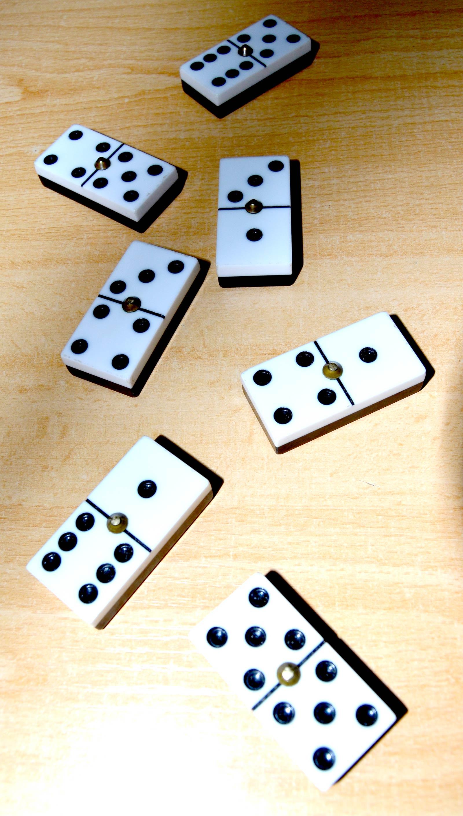 Ilustración gratis - Fichas del dominó