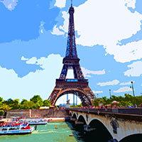 La Torre Eiffel al lado del río Sena